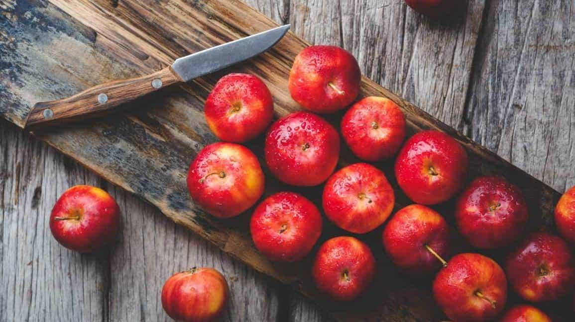 apple in hindi